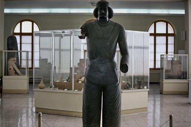 موزه ملی ایران-اجاره ماشین-اجاره خودرو