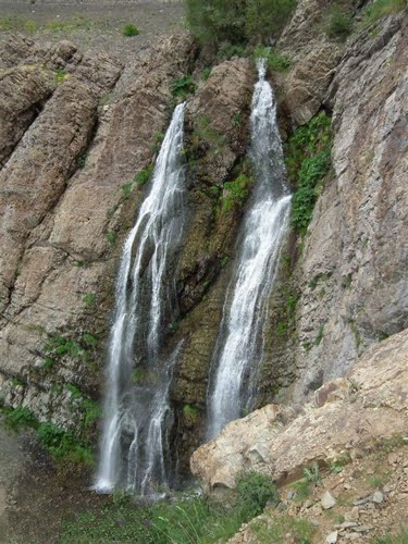 آبشار دوقلوی شیرپلا تهران - اجاره خودرو - اجاره ماشین